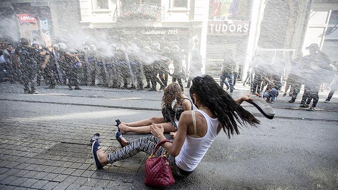 الشرطة التركية تقمع بعنف مسيرة للمثليين في اسطنبول