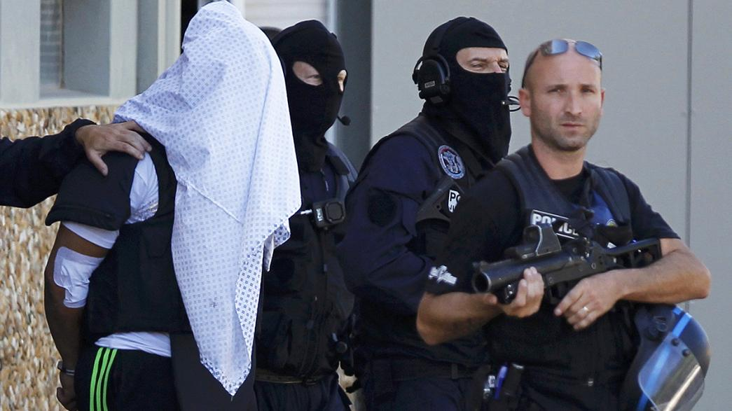 Attentäter von Lyon gesteht Tat - Sicherheitskräfte werden aufgestockt