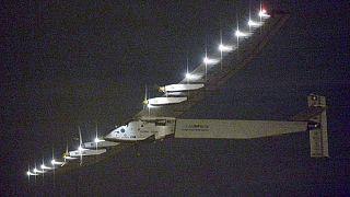 الطائرة الشمسية سولار إمبلس 2 تعيد الاقلاع نحو هاواي من اليابان
