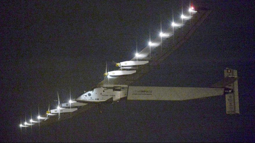 Heading for Hawaii, Solar Impulse II takes off for the most risky leg of its round the world trip