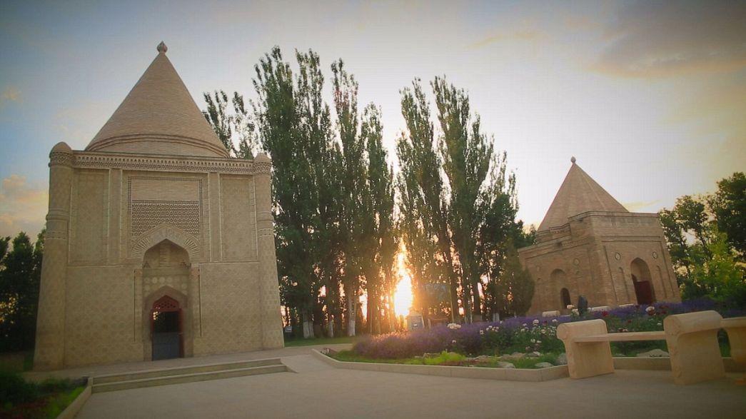 Postcards do Cazaquistão: A fé e o amor de Aisha Bibi