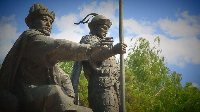 نصب عملاق للإحتفال بمرور 550 سنة على تأسيس الدولة الكازاخستانية