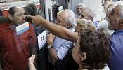 Bank closures a nightmare for business as Greeks face shortages