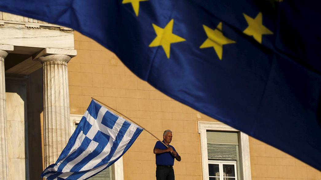 في مقابلة خاصة مع يورونيوز، المحلل السياسي يانيس ايمانويليديس يتحدث عن الاستفتاء المرتقب في اليونان.
