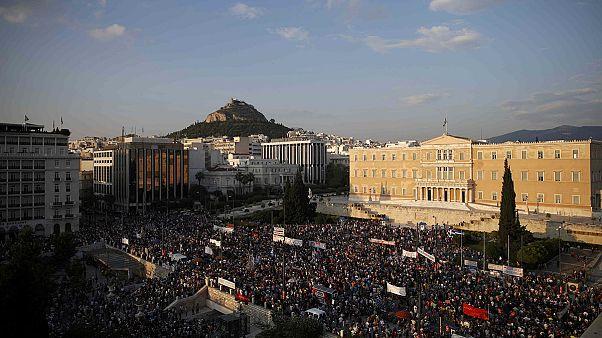 Εντείνεται η αβεβαιότητα στην Ελλάδα εν όψει του δημοψηφίσματος