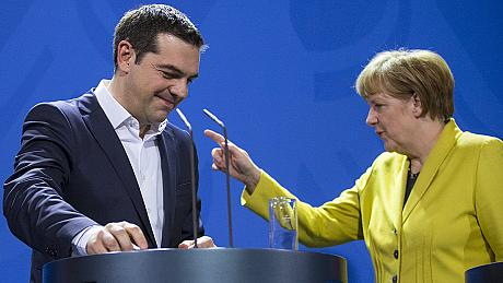 Tsipras says if Greeks approve the EU's aid plan, Syriza will resign