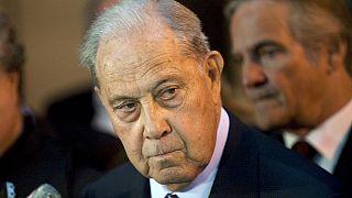 وفاة وزير الداخلية الفرنسي الأسبق شارل باسكوا