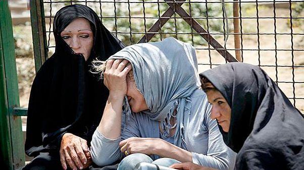 """خانواده های """"زن سرپرست"""" در ایران و چالش آنها با فقر"""