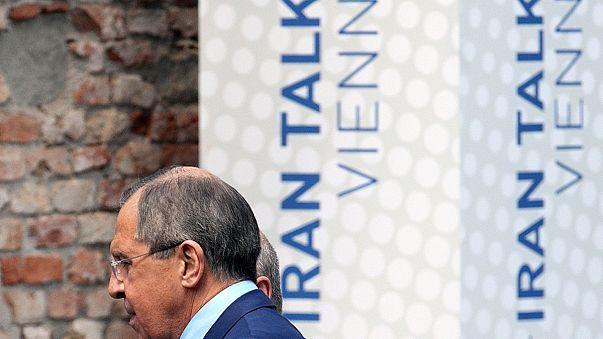 """Iráni atomprogram: Kerry és Zarif """"magánbeszélgetése"""" Bécsben"""