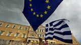 Tömegtüntetés Athénban az eurózóna mellett