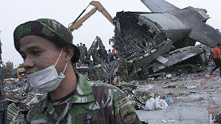 أندونيسيا: تحطم طائرة عسكرية