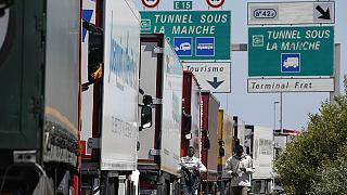 Calais blocked again as French ferry workers threaten worse disruption