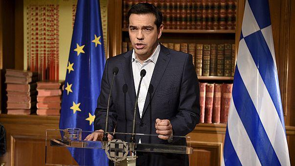 """Grécia: Tsipras reitera apelo ao """"Não"""" e recusa """"chantagem"""""""