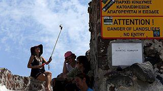 Les touristes à Mykonos, entre insouciance et précautions