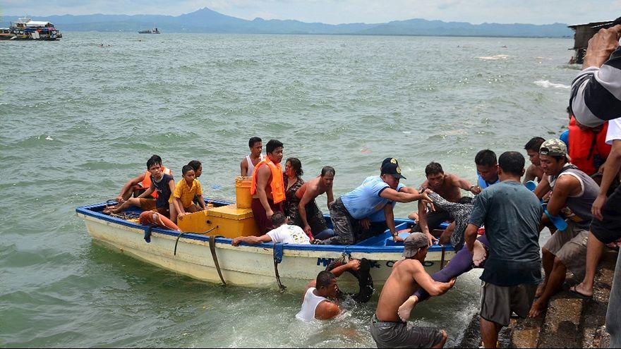 Naufrage meurtrier aux Philippines, un ferry se retourne après son départ