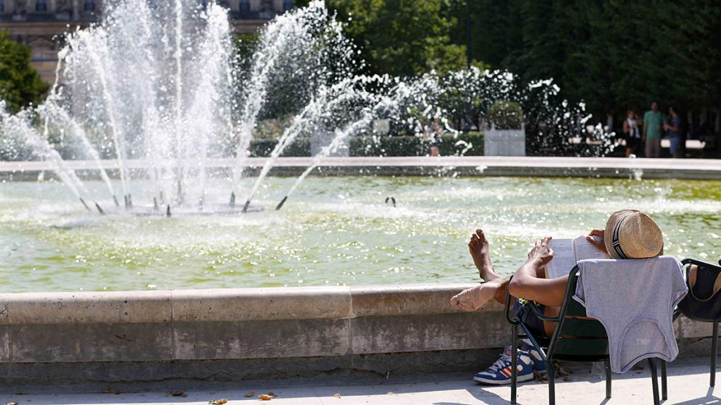 Stay in, stay cool and stay calm - Europe swelters as heatwave stretches