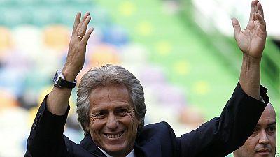 Calurosa bienvenida de los hinchas del Sporting a Jorge Jesús