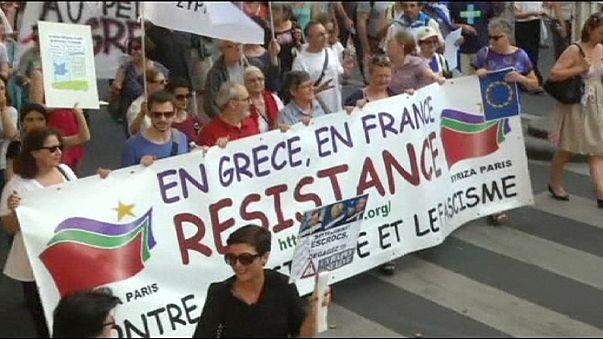 """Fransa sokaklarından Yunanistan'a """"hayır"""" desteği"""