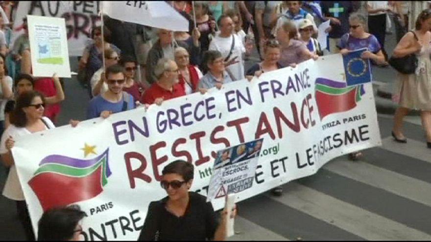 Franceses manifestam-se a favor da Grécia