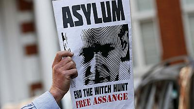 WikiLeaks: France says 'Non' to Assange asylum request