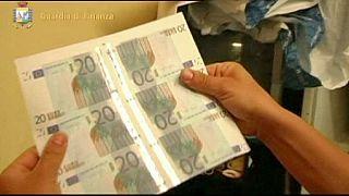 Италия: цех по производству фальшивых евро в гараже