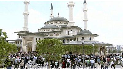 Moschee des neuen türkischen Präsidentenpalasts eröffnet