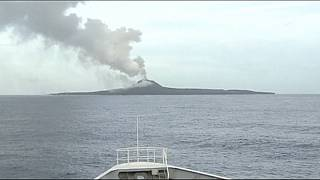 Japón asiste a la formación de una nueva isla