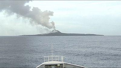 Giappone: Nishinoshima, l'isola che cresce
