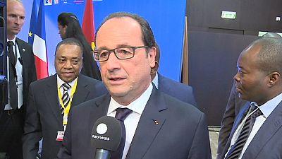 Presidente francês quer ajudar a diversificação da economia angolana