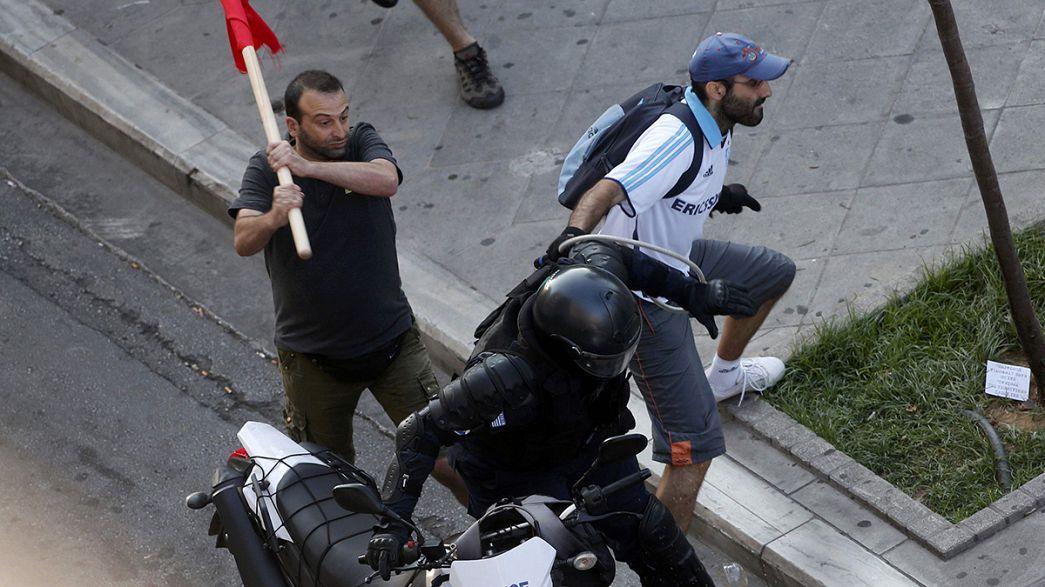 Atene: scontri durante la manifestazione sul referendum, un fermo