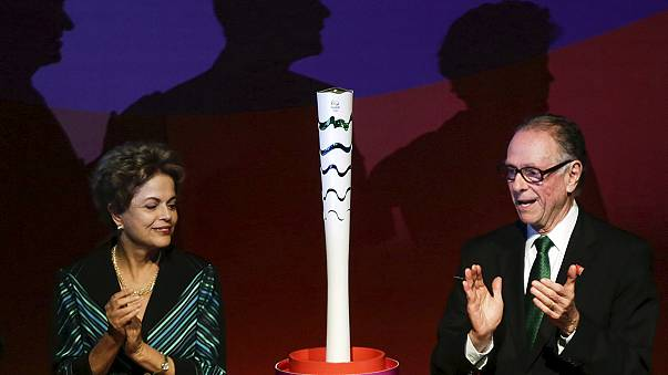Brasilien enthüllt Olympia-Fackel für Rio 2016
