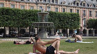 Döglesztő meleg van egész Európában