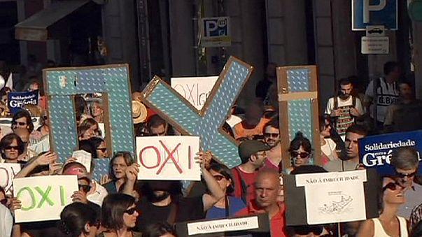 Lizbon ve İstanbul'da Yunanistan ile dayanışma yürüyüşü