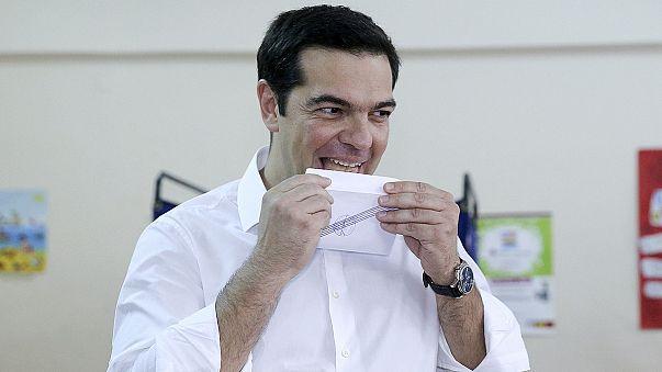 Prognosen: Griechen sagen NEIN - OXI