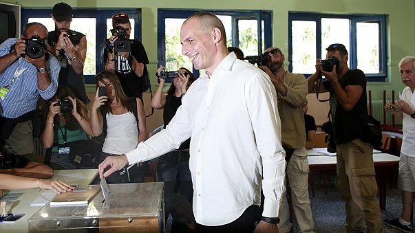 Yunanistan'da referanduma katılım oranı yüksek