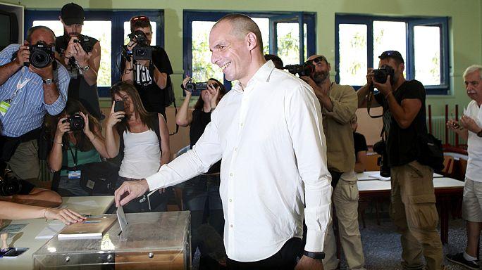 """اليونان: وزير المالية اليوناني يؤكد أنه سيستقيل من منصبه في حالة فوز """" نعم"""" في الاستفتاء"""