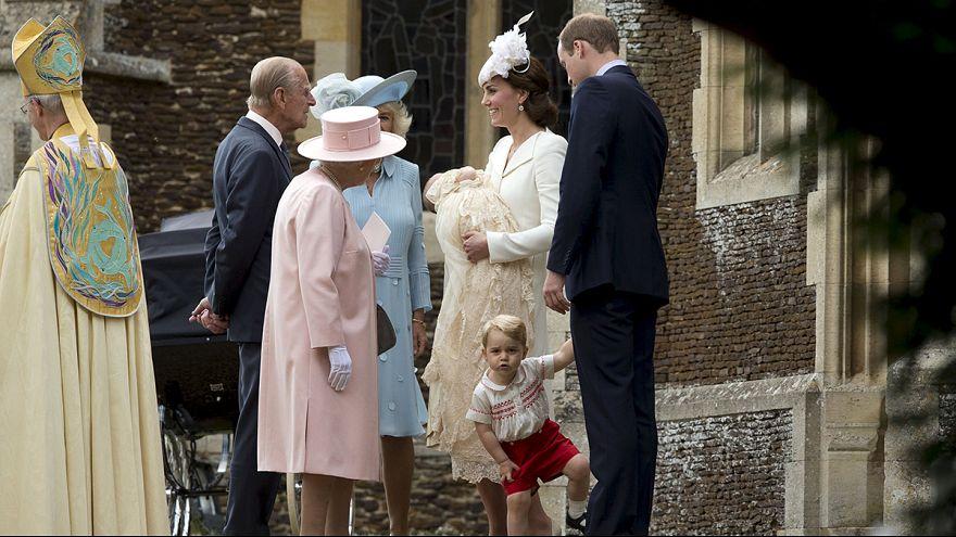 La princesa Carlota, cuarta en la línea de sucesión al trono británico, ha sido bautizada