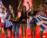 Thousands of Greeks celebrate referendum result