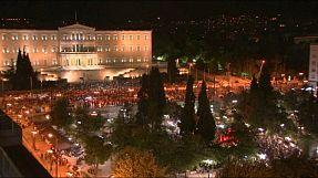 """Référendum grec: les partisans du """"non"""" fêtent leur victoire dans les rues d'Athènes"""