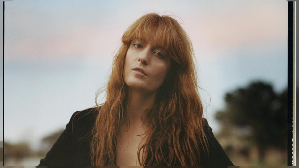 Florence + The Machine caught by cushion rain in Lyon