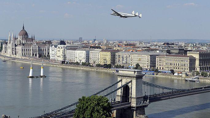Red Bull Air Race'in Budapeşte galibi Hannes Arch oldu