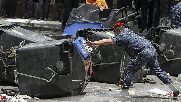 Confrontation entre policiers et manifestants en Arménie