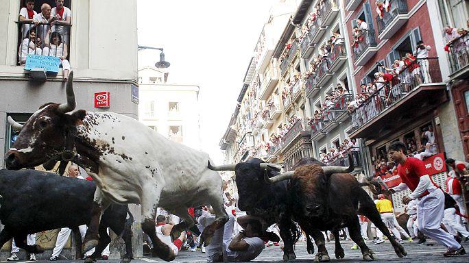 Tourists gored by bulls during San Fermin 'bull run'