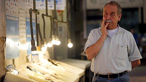 Pesimismo entre los griegos nueve días después del cierre de los bancos