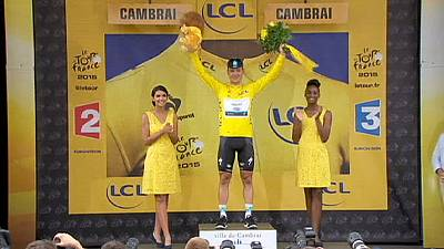 Martin takes yellow jersey off Froome with stage four victory