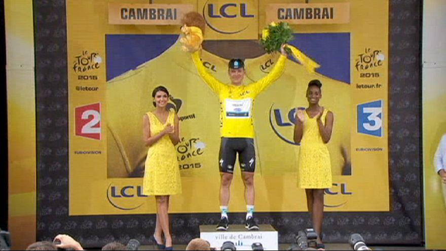 Tour de France: Martin trionfa sul pavé e si prende anche la maglia gialla