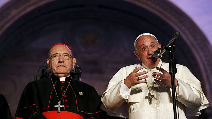 Papa Francis Ekvator'da 1 milyon kişiye seslendi