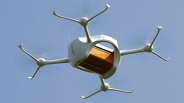 Correos de Suiza comienza a probar drones