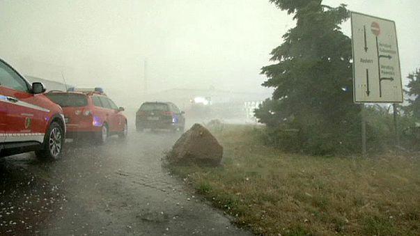 Almanya'da rekor sıcaktan dolu fırtınasına