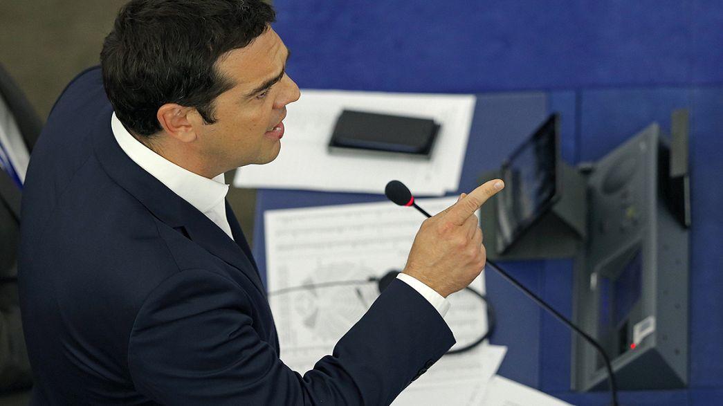 Tsipras divide eurodeputados no Parlamento Europeu
